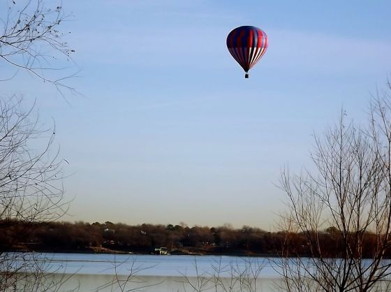 On the chilliest morning of the year, a hot air balloon defies the 30° temperatures....