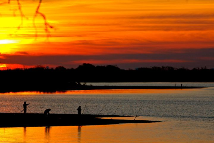 Fisherman three, distant one....we all enjoy the dawn