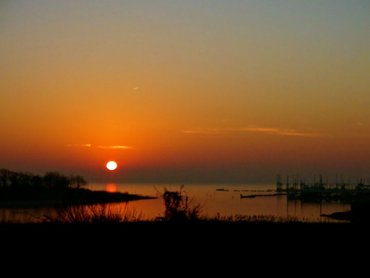 Good Morning over the Lewisville Lake marina...