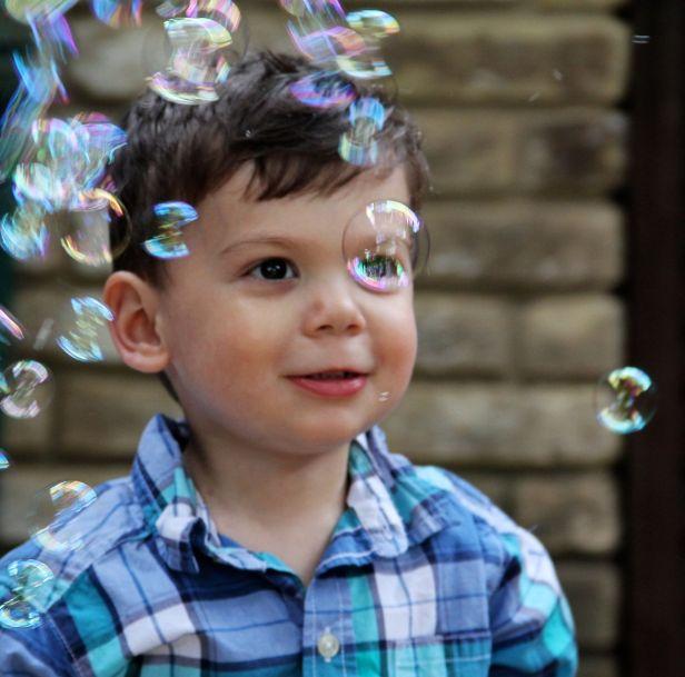 The FGs loves bubbles...