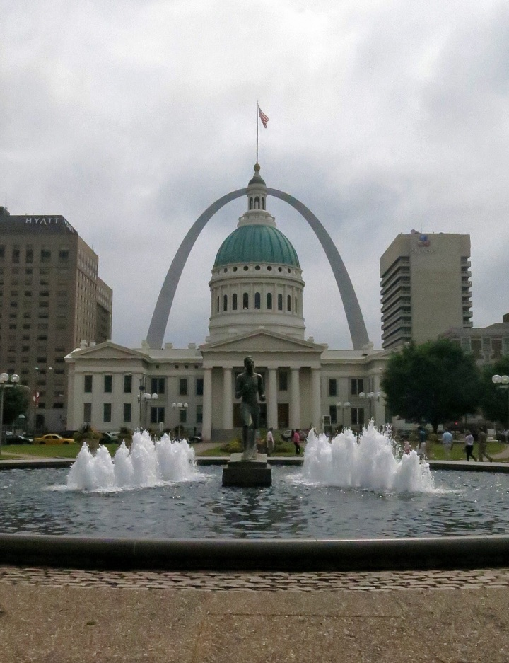It's the every-tourist photograph when they visit St. Louis....